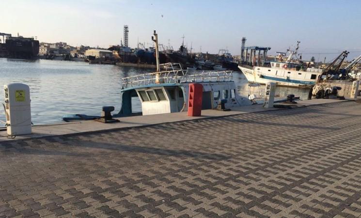 Barca affondata nella banchina in concessione alla Lega Navale di Mazara