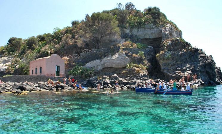 Anche in Sicilia le Vie Sacre, itinerari di turismo religioso a Taormina e Acitrezza