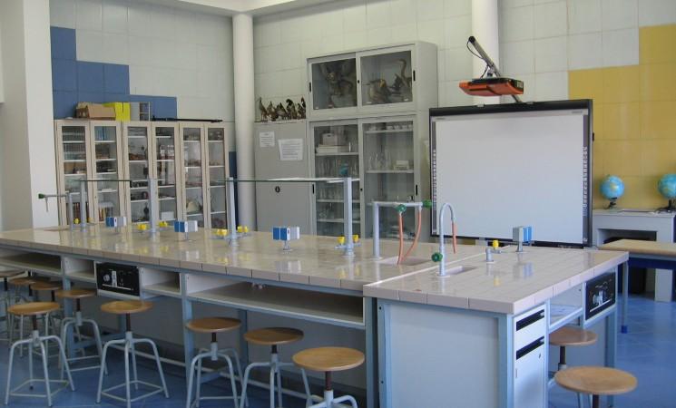 Alunni italiani tra i meno bravi in Scienze, investire di più nei Laboratori