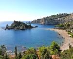 Taormina, Isola Bella bonificata da cemento ed elementi di degrado