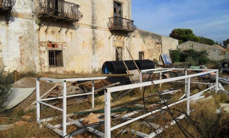 """Abbandono e degrado a Villa Lampedusa, la """"Villa del Gattopardo"""""""