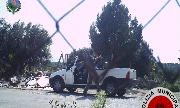 Discariche abusive, telecamere nascoste inchiodano i colpevoli