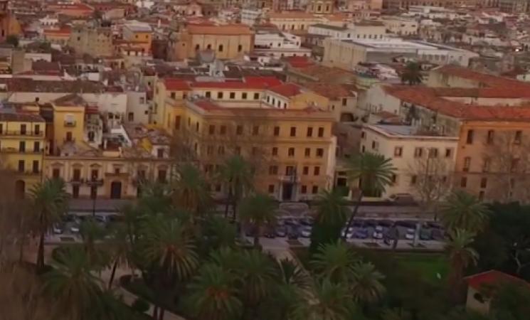 Aspiratori elettrici sulle strade di Palermo