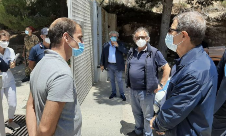 Migranti, hot-spot Lampedusa in tilt. Musumeci arriva, chiede lo Stato d'emergenza e accusa l'Ue