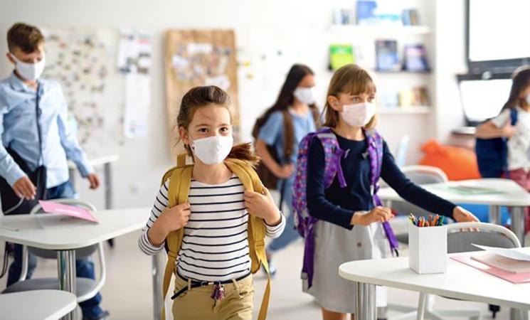Coronavirus, i pediatri, in classe usare mascherine lavabili