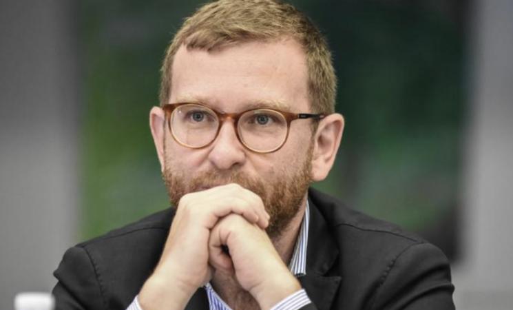 """""""Sicilia chiusa, porti aperti"""", polemica Salvini-Provenzano"""