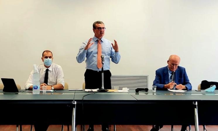 """Nella riviera jonica un """"mare di veleni"""", task force per contenere l'inquinamento"""