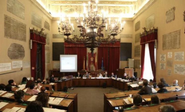 Palermo, bocciata la mozione di sfiducia a Leoluca Orlando