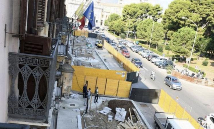 Regione, al giro di boa i lavori sulle aree esterne a Palazzo Orleans