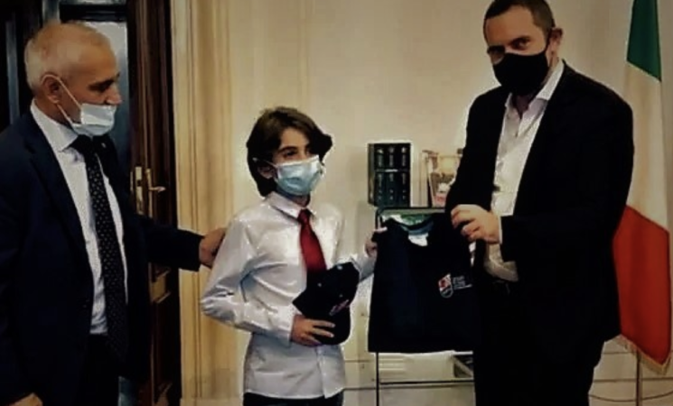 Vincenzo Spadafora riceve a Roma il piccolo karateka catanese