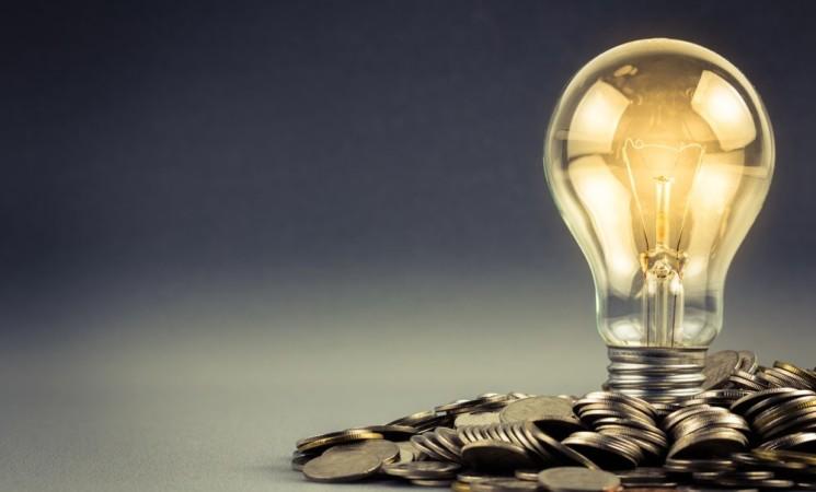 Luce, tariffe giù del 20% per i consumatori