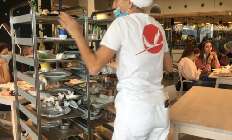 La protesta degli addetti alle pulizie dell'ikea