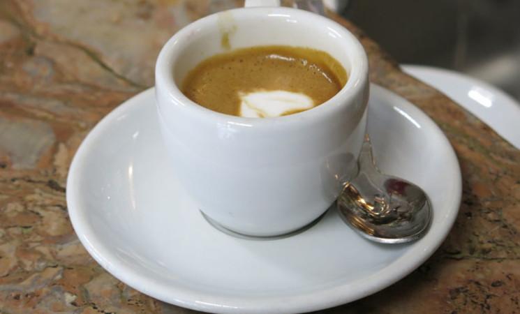 Gli italiani in smart working riscoprono il piacere del caffè