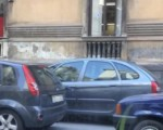 Sosta selvaggia in Corso Italia a Catania, zero controlli!