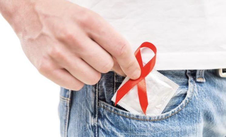 Aids, ancora due giovani su dieci non usano alcun metodo di protezione