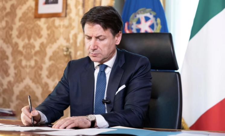 Dpcm, la nuova stretta del Governo Conte scontenta Regioni e imprese