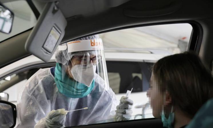 Coronavirus, solo il 17,2% dei contagiati si è infettato  sul posto di lavoro