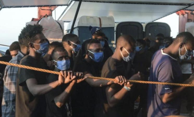 Migranti, nuovo naufragio a Lampedusa, cinque dispersi