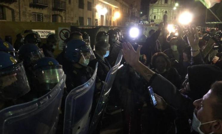 Coronavirus, ristoranti e pub, proteste a Palermo e Catania