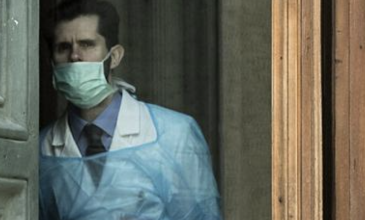 Tamponi dai medici di famiglia, si spacca il fronte dei sindacati