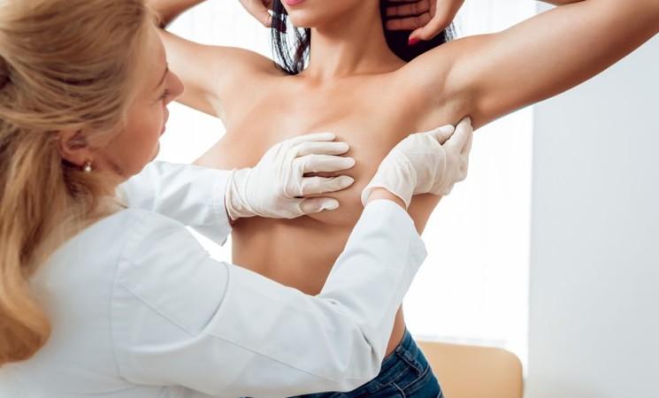 Iniziative per la lotta al tumore al seno priorità a sensibilizzazione e prevenzione