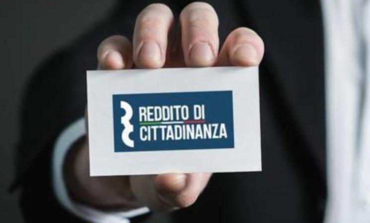 Reddito cittadinanza, nel 2020 a Palermo avuto da 53,8% donne