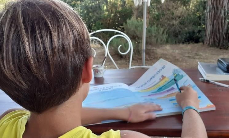 Scuola parentale, in crescita le famiglie che la scelgono