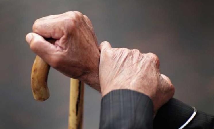 Anziani maltrattati e umiliati in Rsa ad Aci Sant'Antonio