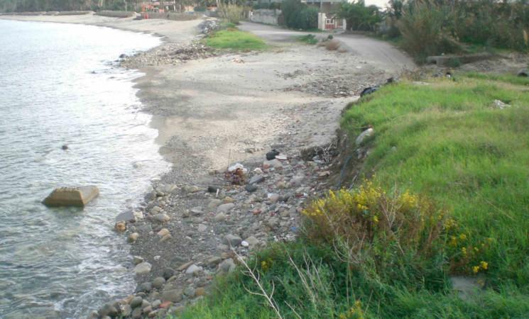 Erosione costiera, si progetta difesa del litorale a Furnari, nel Messinese