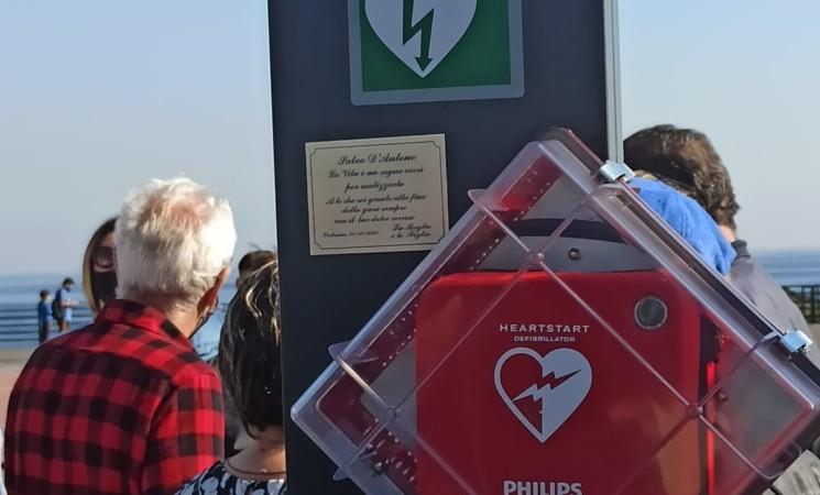 """""""Catania, una città cardioprotetta"""", installato oggi un defibrillatore sul lungomare"""