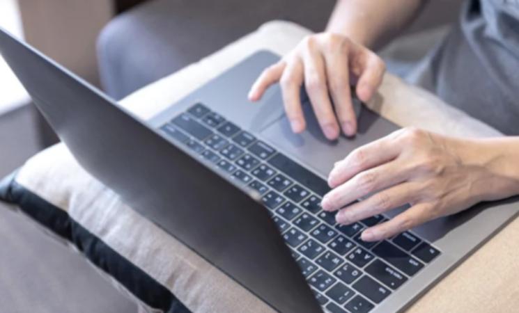 Pa più digitale dopo il Covid, dipendenti e cittadini promuovono lo smart working