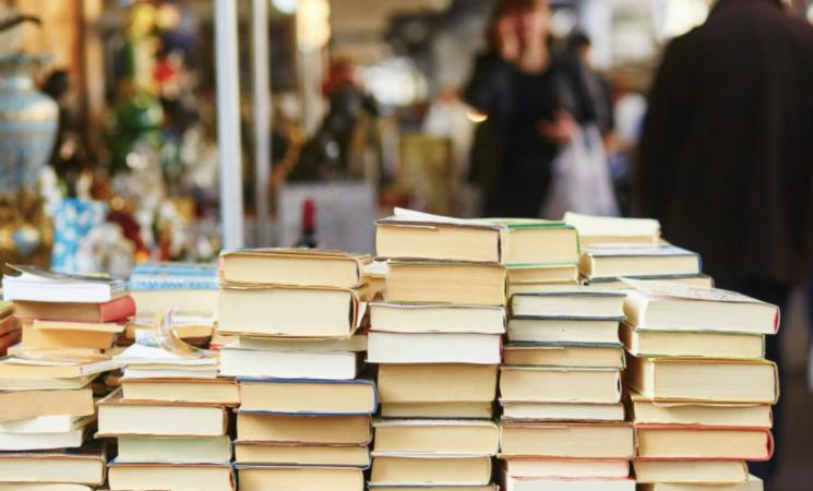 Libri, vendite in calo, si punta sul Natale