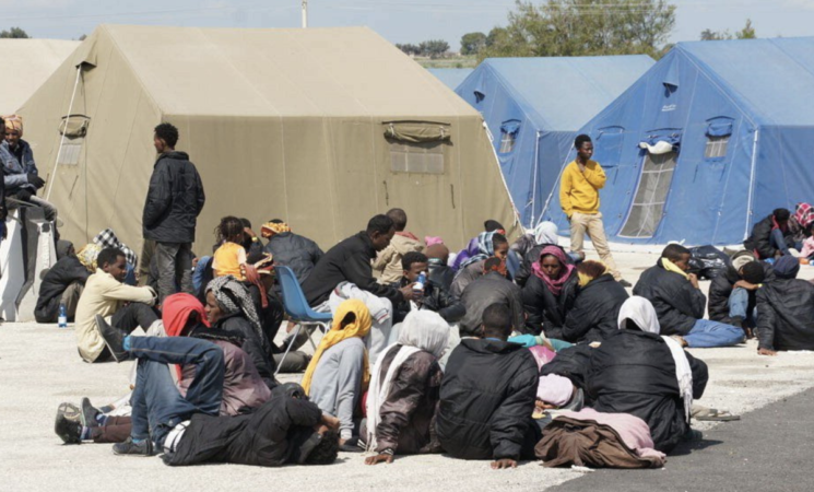 "Migranti, arrivi triplicati, ""serve un'intesa con l'Africa"""