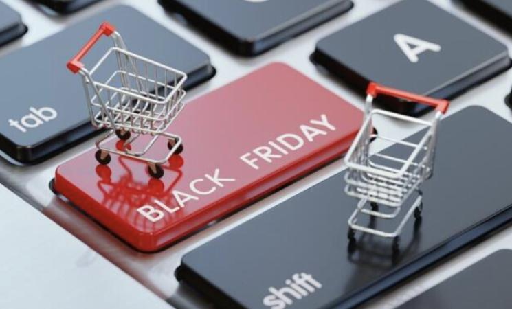 È arrivato il Black Friday, italiani pronti a spendere online 1,5 miliardi