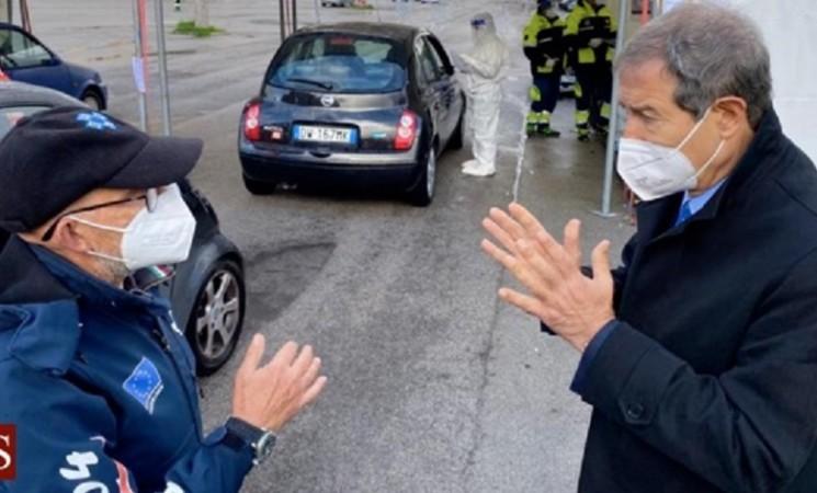 Palermo, Musumeci visita drive in della fiera