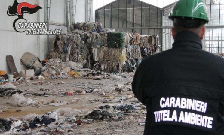 Traffico di rifiuti, arresti e sequestri in Sicilia orientale