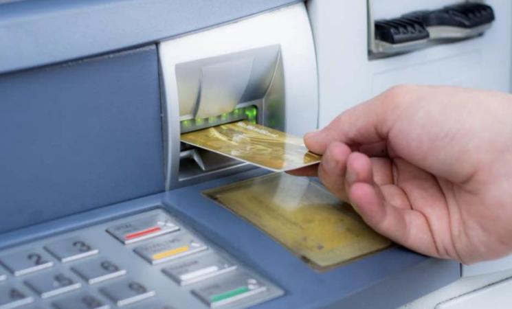 Commissioni bancomat, il No dei consumatori