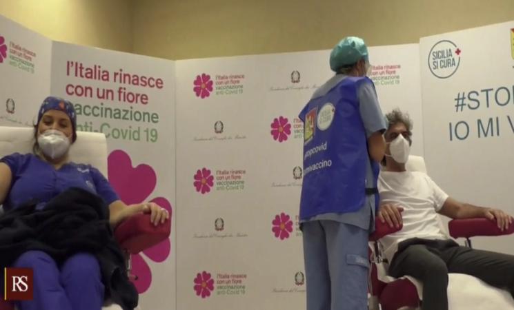 Vaccini, Italia a rilento, mancano medici e siringhe, ma in Sicilia...