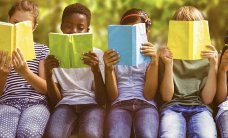 Libroterapia, riciclo ambientale, filosofi, le buone pratiche di Lab5