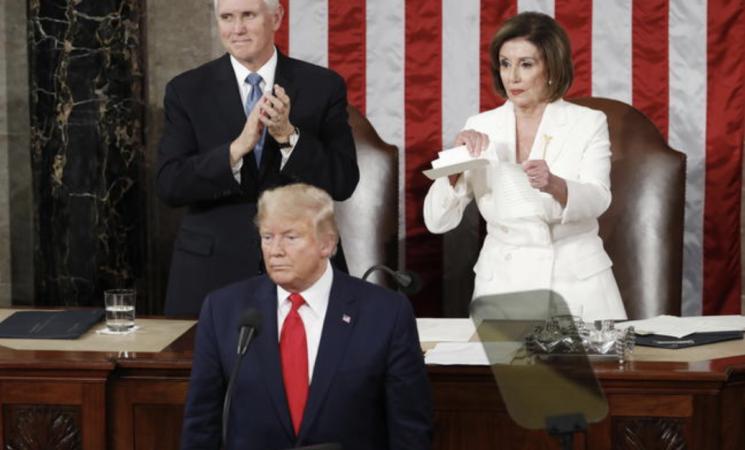 Usa, ok della Camera all'impeachment per Trump