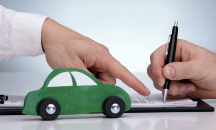 Rc Auto, novità per il contratto base