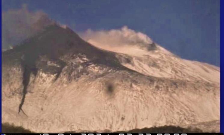 Etna: cala energia,debole fontana di lava da cratere Sud-Est