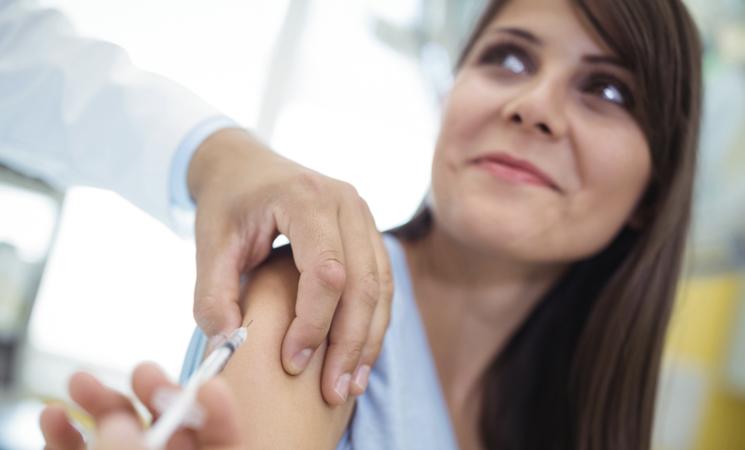 Vaccino. Il 65% degli italiani vuole farlo appena possibile
