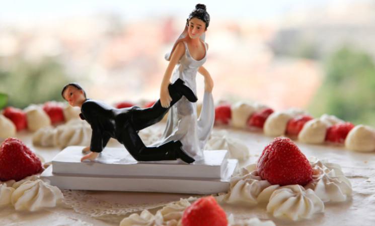 In Italia cala il numero dei matrimoni, ma anche quello dei divorzi