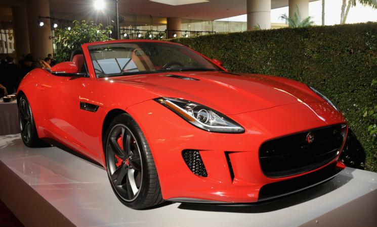 Svolta 'verde' per la Jaguar, venderà solo auto elettriche dal 2025