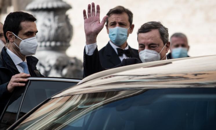 """L'agenda di Mario Draghi, """"priorità a vaccino, lavoro e scuola"""""""