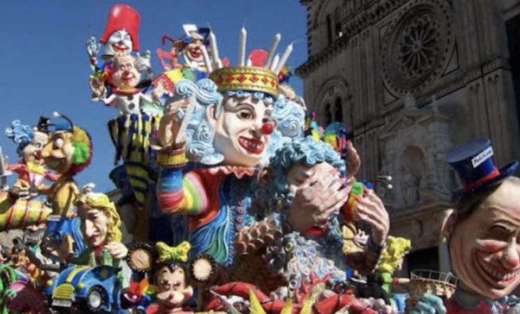 Carnevale 2021, sfilata dei carri di Acireale rinviata in estate
