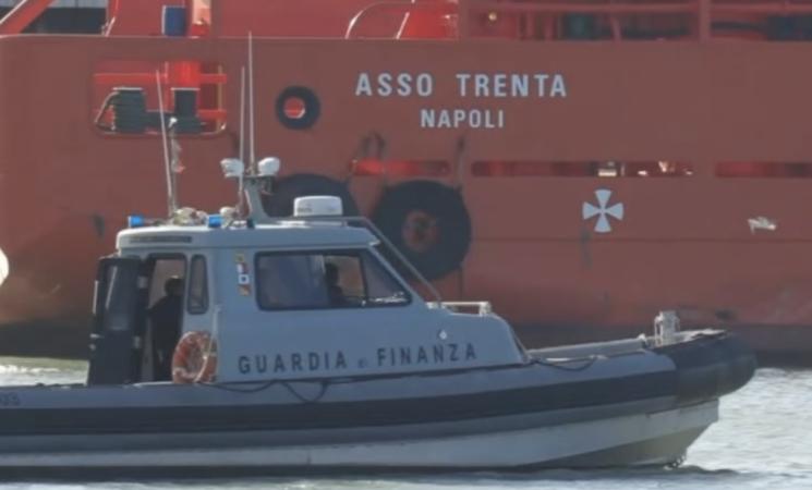 Migranti, Covid, molti positivi tra i naufraghi salvati