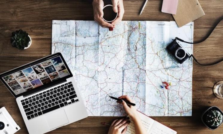Viaggi, per prenotare è meglio aspettare?