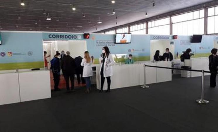 COVID Sicilia, primo hub vaccini a Palermo
